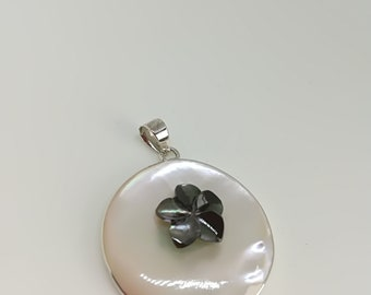 Mother of pearl and 925 sterling silver pendant