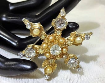 Vintage Star Shaped Faux Pearl and  Rhinestone Brooch