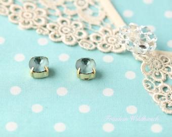 """Thunderstorm-buttons"" vintage stud earrings 8 mm Verg."