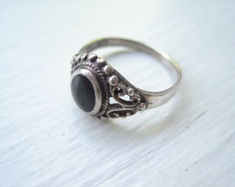 Vintage sterling silver black onyx ring, size 4.75 silver ring, size 4.75 black ring, Bali style silver, silver pinky ring