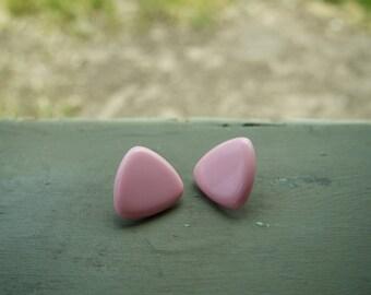 Very cute triangular pink earrings. Vintage make.