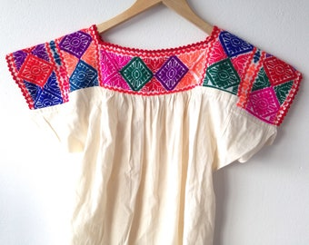 Vintage handmade Mexican top - cream cheescloth w embroidery Medium