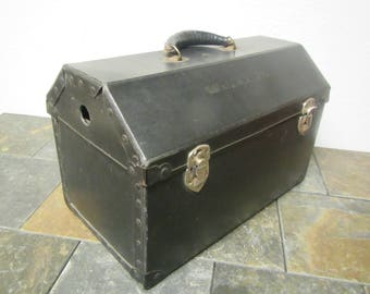 vintage Pet Carrier , Animal carrier , Pet travel case ,  1930s or 1940s