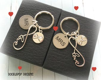Personalised couple keyrings - Infinity Wedding gift - Mr and Mrs gift - Infinity keychains - Valentine's gift - Anniversary gift - UK gift
