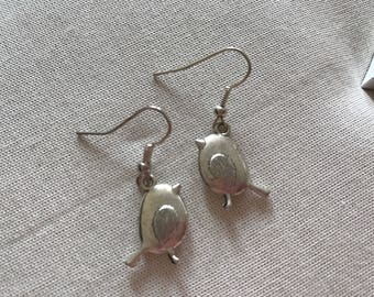 Large puffy robin bird silver coloured earrings end of line
