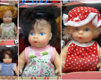 """Baby Sister Set 4 Little Dolls Rooted Hair Painted Blue Eyes 1990 CitiToy 5"""" Dressed Doll Blonde Brunette Vintage NEW Sisterz #6486 Pink Box"""