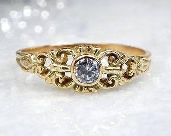 Vintage / 14ct Yellow Gold Ornate Fantasy Rock Crystal Quartz Ring / Size M 1/2
