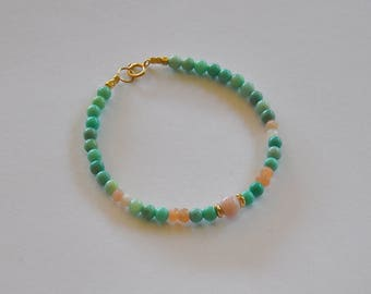 """Bracelet pierres, opales vertes, pierres de lune et opales roses : Modèle """"Jeanie"""""""