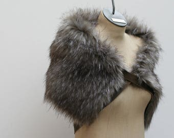 Moonlight Grey Fox Pelt Fur Ruff, Leather Chest Straps, Fur Collar Brown Leather Chest X Strap, Moyamensing, moonlight gray  fur shoulder