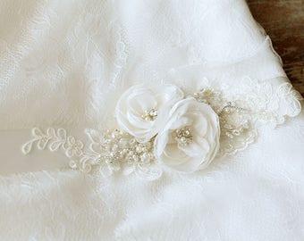 Ivory wedding belt, Ivory bridal sash, Ivory Bridal belt, wedding sash, floral sash belt, Ivory lace belt, bridal sash belt, ivory sash,