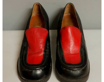 Vintage 1970s red and black leather loafers 36