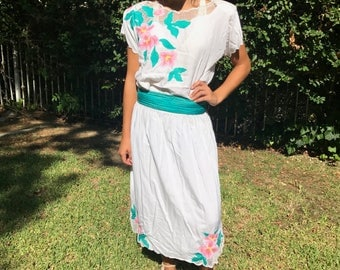 Polynesian top skirt sash,3 pc, summer skirt top,Embroidered,hibiscus,Medium,M,white,green,pink