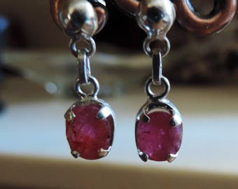 Ruby on sterling silver earring. #RBE1