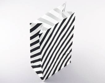 3 paper bags black/white striped