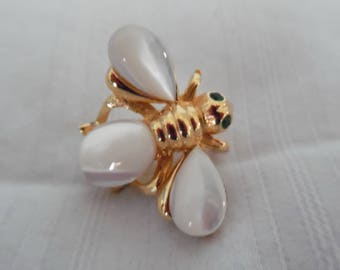 Joan Rivers Mother of Pearl Bee