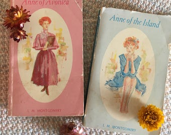Anne of Green Gables book set of 2, Anne of Avonlea, Anne of the Island, LM Montgomery, Lucy Maud Montgomery, vintage books