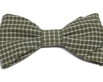 Cream khaki Plaid bowtie with sharp edges