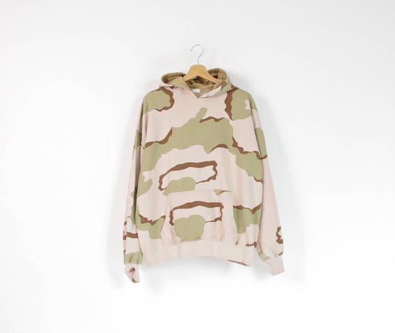 SALE - Vintage tri-color desert camo army hoodie / size L-XL