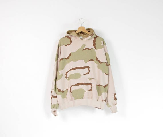 Vintage tri-color desert camo army hoodie / size L-XL