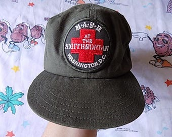 Vintage 80's MASH At The Smithsonian Elastic Back Hat, size Medium 1983 USA made TV show series