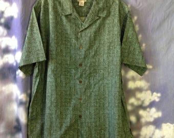 V119 L L Bean green button down short sleeve size L 100% cotton