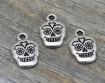 Summer Sale Sugar Skull Charms, 18mm Tierracast Day of the Dead, Rose Skull, Qty 4 Antique Silver Skeletons, Great to make Day of the Dead J