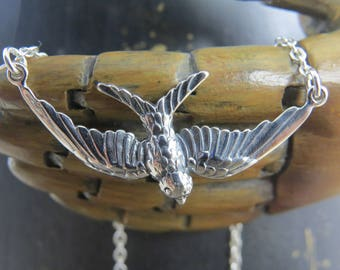Sterling silver bird necklace, flying bird necklace, bird in flight, sparrow necklace, audubon,nature necklace, bird watcher gift, nature