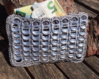 Wallet made of capsules e recycled cans