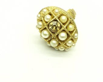 SUMMER  CLEARANCE SALE Vintage Pearl Poison Ring