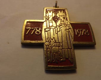 Bishops Pectoral cross from 1978 Large and Beautiful ,Blessed with Relic of the True cross !