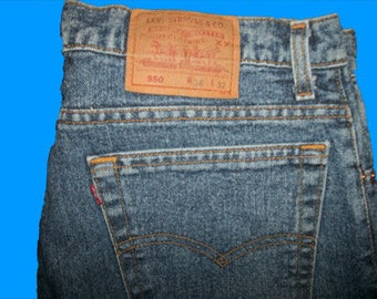 Levis 550 Relaxed  36 W x 32 L Made in USA