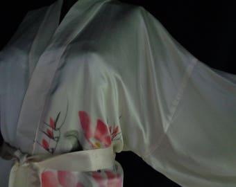 Vintage kimono painted long silk cream Chinese robe