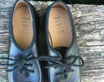 Vintage boys tap shoes by bloch size 10 1/2.