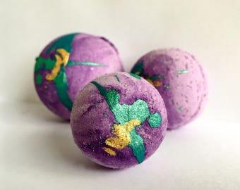 Organic Bath Bomb ~ Glitter Bath Bomb ~ Sparkle Bath Bomb ~ Purple Bath Fizzies ~ Mermaid Bath Bomb ~ Pantone Ultra Violet ~ COY2018