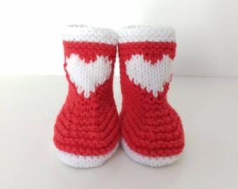 chaussons bottines bébés naissance à 12 mois tricotés main en laine rouge et blanche