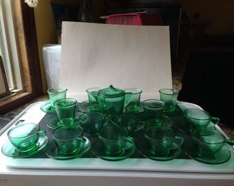 Vintage Akro-Agate Green Stippled band Childs Play Time 27 Pc. Dish Set