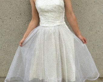 40% OFF SALE White & Silver Net and Tulle 1950's Wedding Party Prom Dress Small 34-26-full