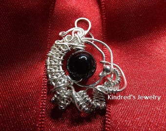 Wire Wrapped Onyx Bead Pendant