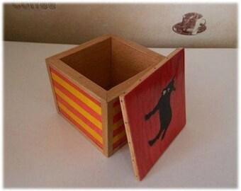 Catalan storage box