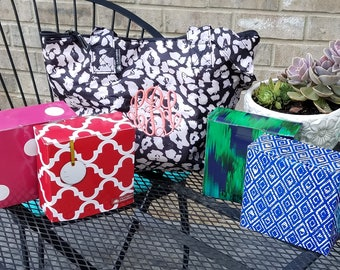 Monogrammed Insulated Lunch Bag------Just in time for BACK to SCHOOL-----------
