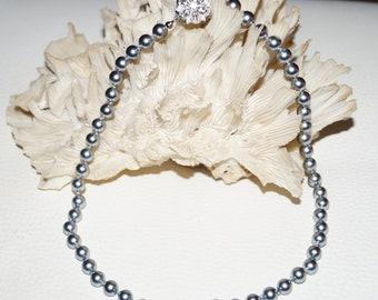 Short 1960's Pearls Necklace Silver Vintage