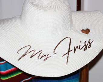 Mrs. Floppy Hat, Custom Floppy Hat, Newly Engaged Gift, Mrs. Beach Hat, Honeymoon Beach Hat, Personalized, Personalized Bride Gift, straw