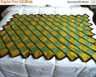 55% OFF Vintage Wool Knit Afghan* Green & Gold . Warm . Cozy . Hand Knit . EXCELLENT VINTAGE Condition
