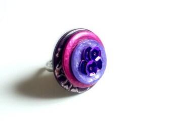 Purple/plum vintage button ring