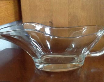 Vintage Anchor Hocking 10oz. Clear Glass Gravy Boat (#1028) - Made in USA - 1970's to 1980's