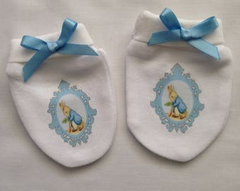 Peter Rabbit vintage frame Baby Scratch Mitts