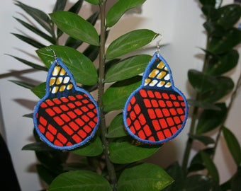 Beautiful blue and Red calabash earrings & mine (nickel free)