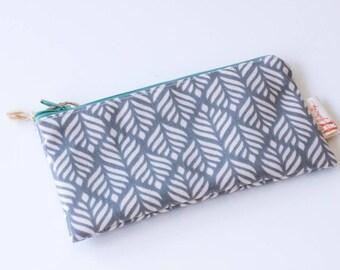 Thyme-waxed cotton clutch bag