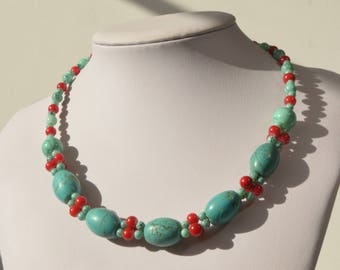 Vintage Turquoise Red Blue Lucite Bead Necklace