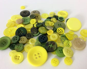 Mix of 100 buttons of various sizes (Ref.MIX11)